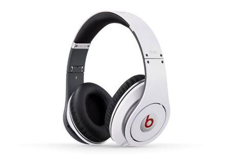 Beats Studio Over-Ear Headphone White1